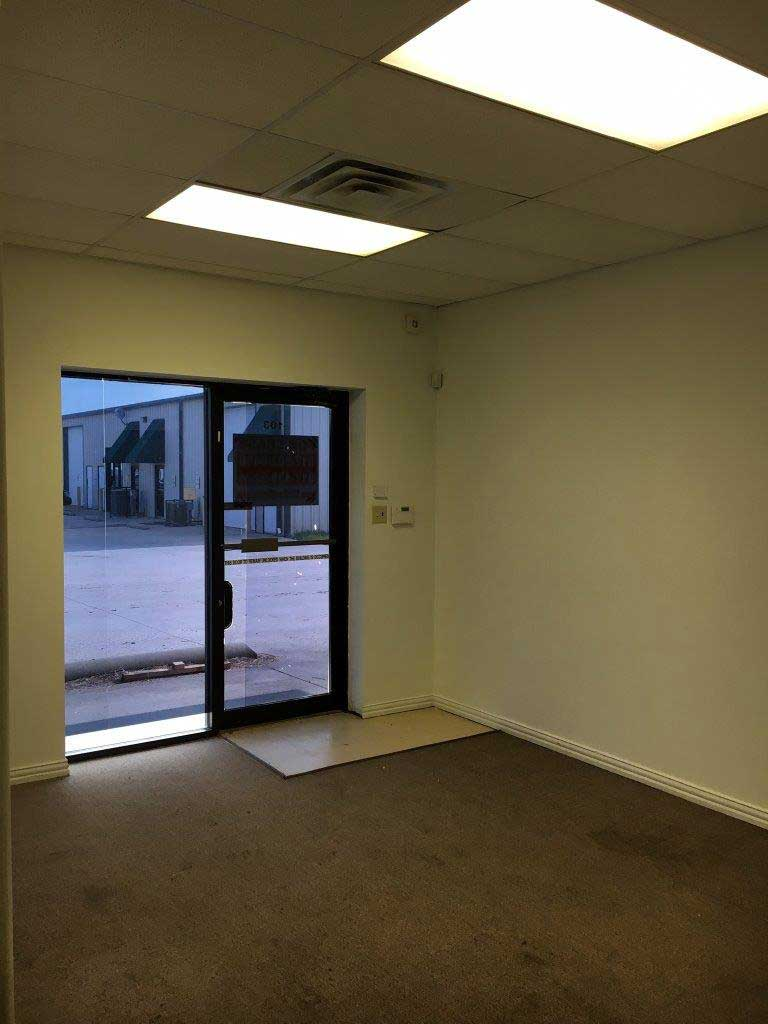 There are certain things to look for when leasing office space. We can help you at RDS Real Estate.