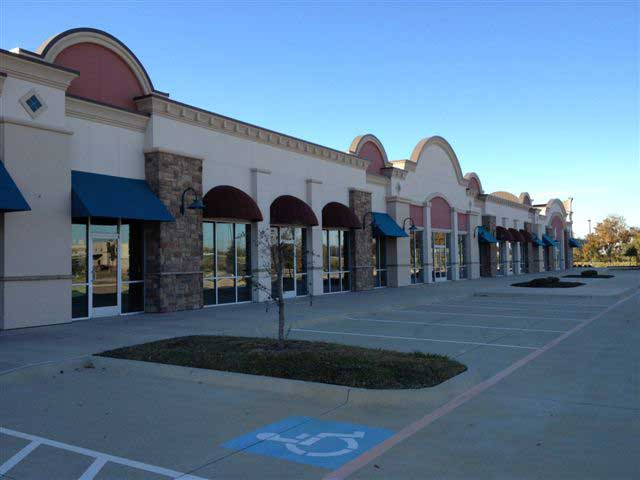rent retail space tarrant county