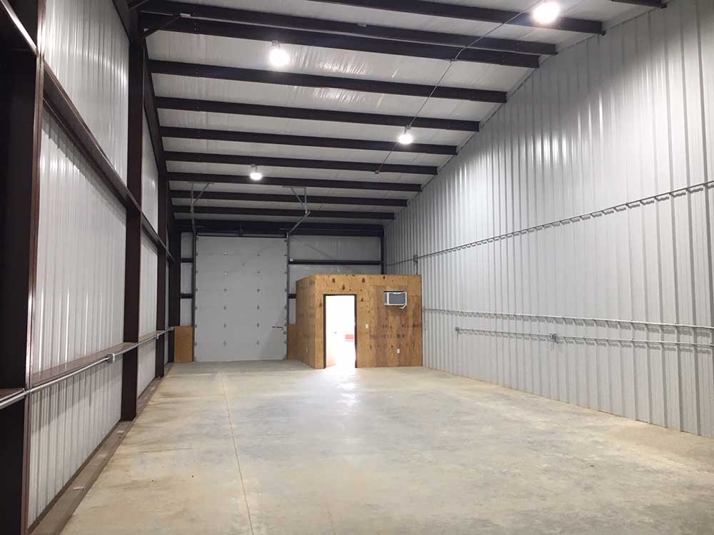 Tarrant County warehouse for rent.