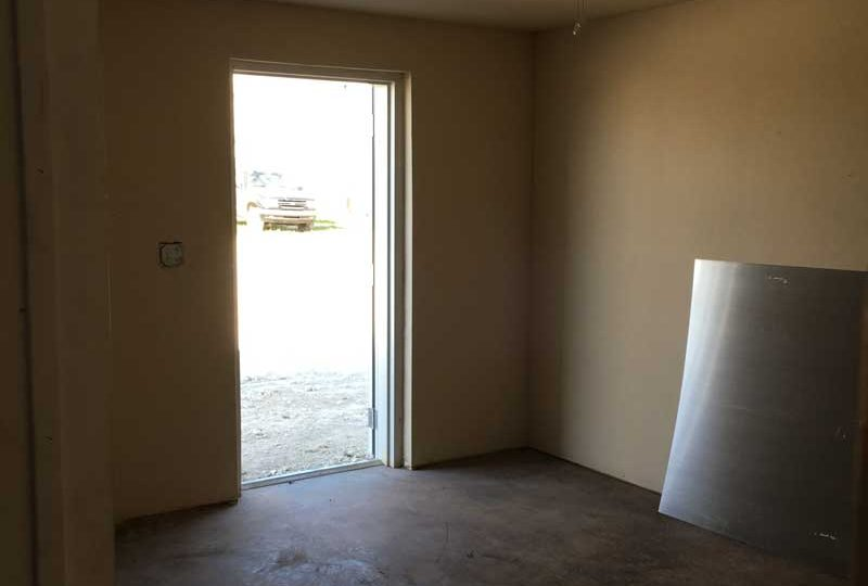 We specialize in multi use Tarrant County commercial property for rent. Call RDS Real Estate