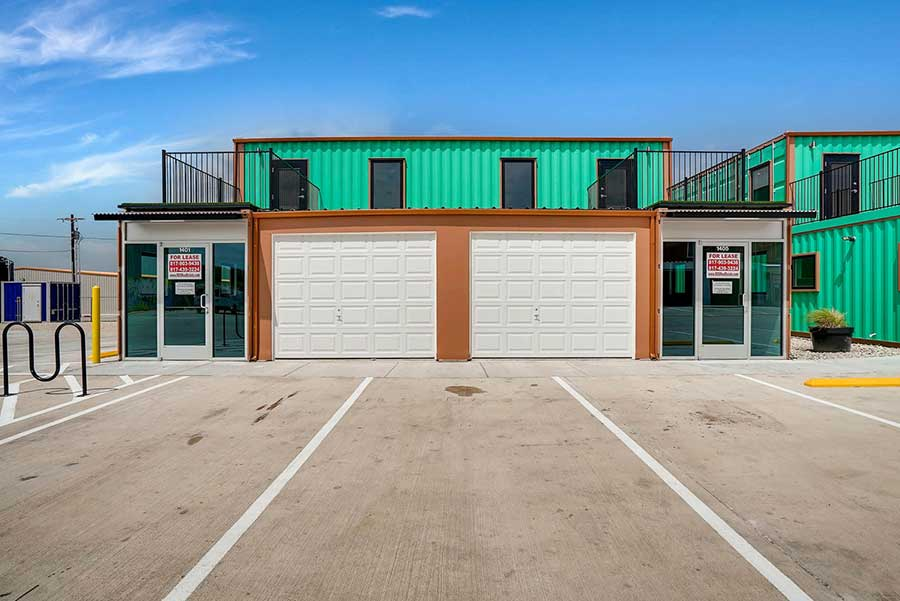 We have the shop for rent in Fort Worth that you need.